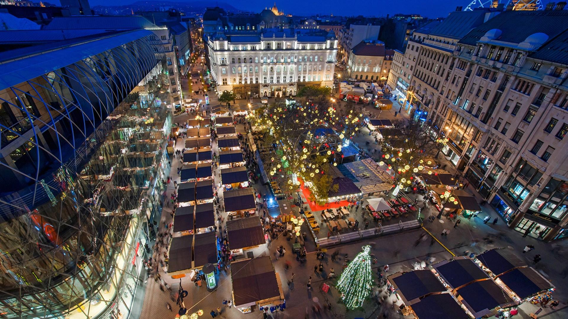 Vorosmarty Square Budapest Christmas Market.The Magazine Hotel Shortlist Best Programs In December